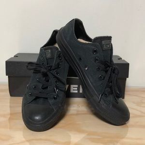 CONVERSE • Chuck Taylor - Low Top M 7 / W 9